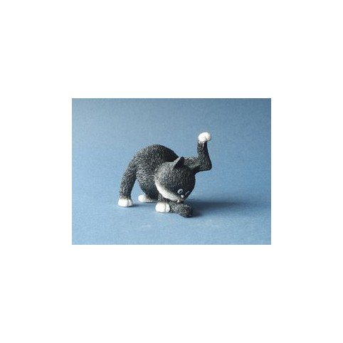 FIGURINE CHAT LA GRANDE TOILETTE