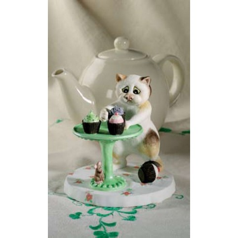 "FIGURINE CHAT ""FAIRY CAKES"" - COMIC AND CUROUS CAT"