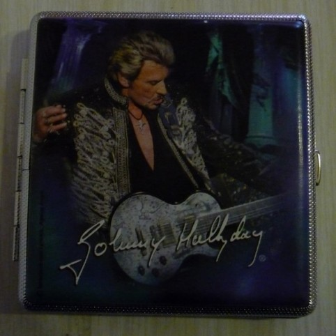 Boite cigarettes johnny hallyday for Miroir johnny hallyday