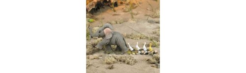 FIGURINES ELEPHANT TUSKERS